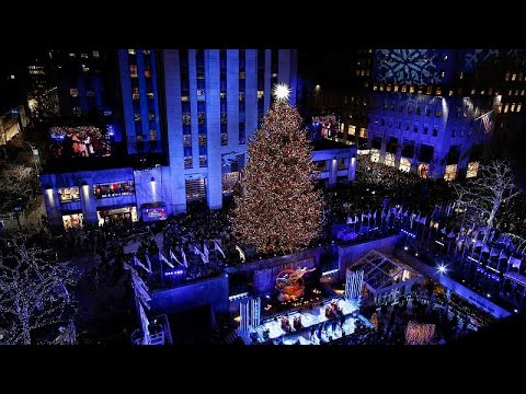 Άναψε το χριστουγεννιάτικο δέντρο στην πλατεία Ροκφέλερ…