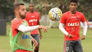 O resumo do treino de segunda-feira do elenco rubro-negro. --------------- Seja sócio-torcedor do Flamengo: http://bit.ly/1QtIgYl --------------- Inscreva-se...