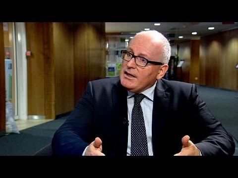 Φρανς Τίμερμανς: Αν δεν τα βρουν μεταξύ τους τα κράτη μέλη, η Ελλάδα το καλοκαίρι θα έχει πρόβλημα