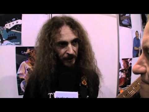 As usual, Guthrie Govan paid us a visit at NAMM, and right before kick-off, we made a quick interview. Check it out!