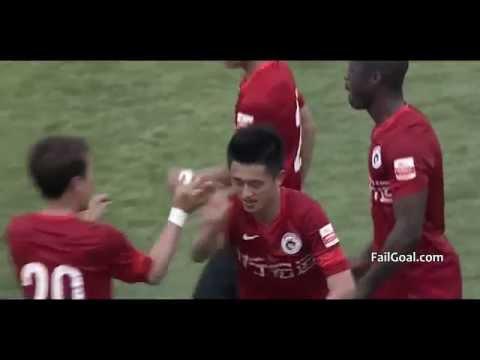 Bàn thắng khi thủ môn đang uống nước - Trung Quốc :v
