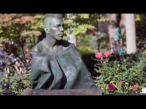 Human Statue Prank