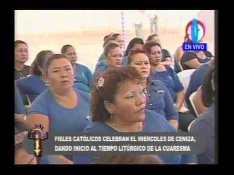 Cardenal Miguel celebra misa del Miércoles de Ceniza con privadas de libertad