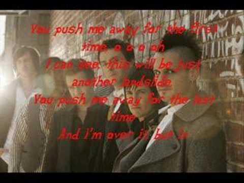 Tekst piosenki The Last Goodnight - Push Me Away po polsku