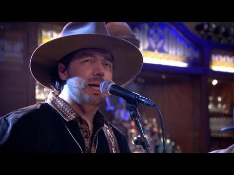Waylon speelt heerlijk nummer 'Thanks, But No Than - RTL LATE NIGHT
