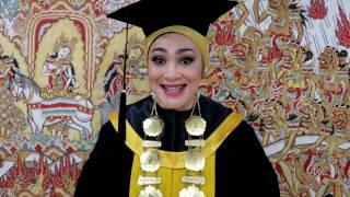 Download Video LUAR BIASA! Dedikasi Dewi Hughes untuk dunia pendidikan di Indonesia MP3 3GP MP4