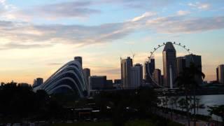 Volar cometas en Marina Bay de Singapur