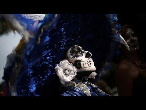 Μεξικό: Γιόρτασαν με χορό την «Ημέρα των Νεκρών» – world