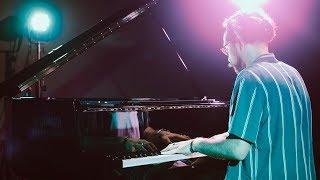 Video DONE FOR ME - Charlie Puth ft. Kehlani (Piano Cover) | Costantino Carrara MP3, 3GP, MP4, WEBM, AVI, FLV Juni 2018