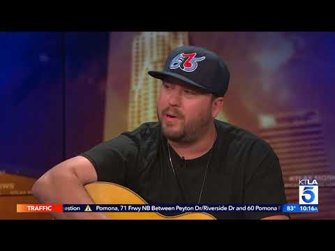 Video Mitchell Tenpenny Performs