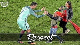 Video Cristiano Ronaldo - A Great Person #RESPECT | Emotional Video MP3, 3GP, MP4, WEBM, AVI, FLV September 2017