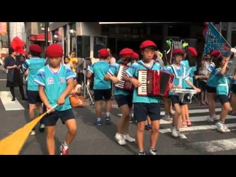 東京都北区立豊川小学校鼓笛隊 (13.8.2)