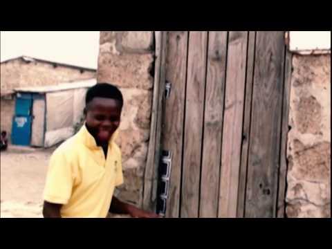 BATHING WOMAN UNDRESSED BY  DANNY (ZAMBIAN COMEDY)