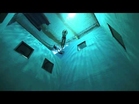 Guillaume Néry plays underwater at Nemo 33, the deepest swimming pool in the world. Filmed by Julie Gautier