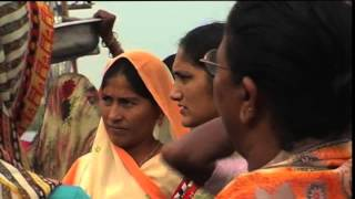 Diu India  city pictures gallery : Fishingwomen in Vanakbara (Diu) India