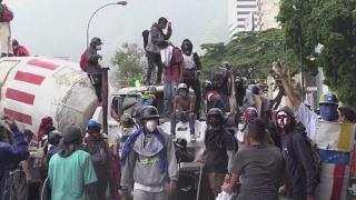Video Venezuela : le pays au bord de la guerre civile ? MP3, 3GP, MP4, WEBM, AVI, FLV September 2017
