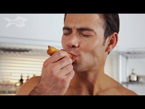 猛男做巧拿棒給你吃…男人也可以這麼性感!