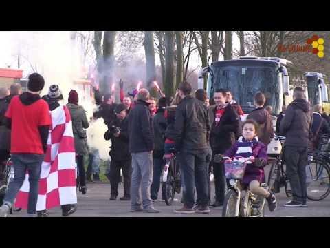 Bijna tweeduizend supporters van JVC waren afgereisd naar PEC Zwolle