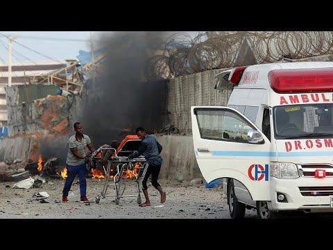 Πολύνεκρη βομβιστική επίθεση στην πρωτεύουσα Μογκαντίσου…