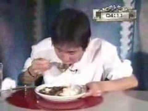「[微グロ]吐いてるようにしか見えない、カレー13杯を6分で完食する「早食いテレビ番組」の逆再生動画」のイメージ