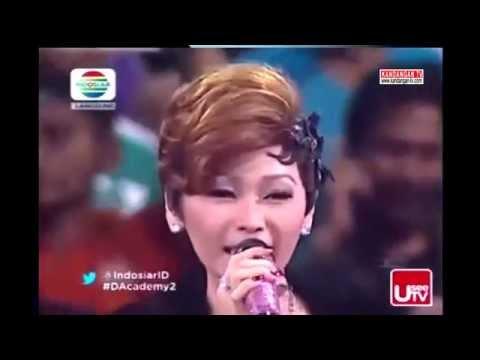 Inul Daratista Nyanyi Lagu Madura:  Inul daratista