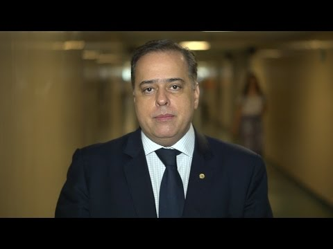 1º vice-presidente do PSDB-MG, deputado federal Paulo Abi-Ackel: faça uma corrente de emoção pelo impeachment