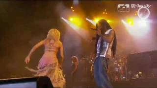 SHAKIRA SEXIEST PERFORMANCE EVER !! MAJOR CLEAVAGE !! SHE'S A GODDESS!