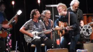 """Eddie Vedder Glen Hansard Fiona Apple """"Rockin' in the Free World""""  Ohana Fest 9/9/17"""