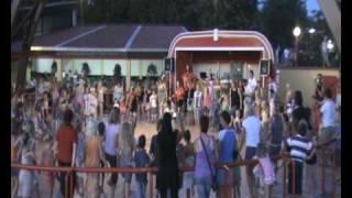 Hoki Poki op de mini disco Bijela Uvala