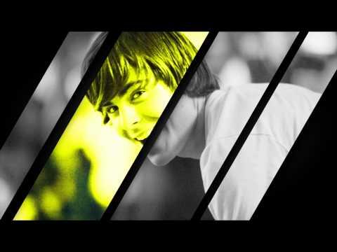 A l'avant-première d'un film pour enfants, Zac Efron laisse tomber...une capote (vidéo)