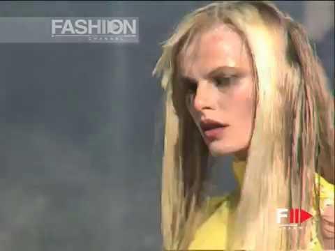 """Antonio Berardi"" Autumn Winter 1997 1998 Paris 2 of 7 pret a porter woman by Fashi… видео"