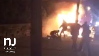 Cargos criminales contra policías NJ golpearon dominicano mientras ardía en llamas