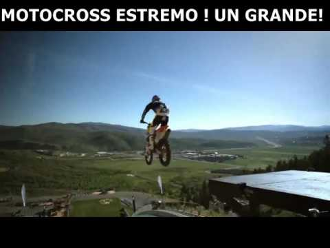 incredibile salto con la moto!