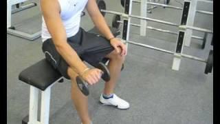 Videoanleitung zur Übung Unterarmstrecken mit einer Kurzhantel. Diese Übung trainiert die Unterarmmuskulatur. Weitere Übungen und alles rund um das Thema Fitness auf: http://www.wikifit.de
