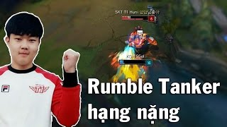 Huni stream Rank Hàn ngày 20.03.2017 pick Rumble lên Top đây là tướng tủ quen thuộc của Huni và Huni rất tự tin khi thể hiện màn trình diễn tanker, đối mặt với Huni khi cầm Rumble thât khó chịu