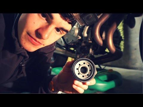 Come cambiare olio motore e filtro olio alla moto!