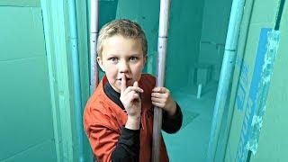 BOX FORT PRISON! Escape Room Maze