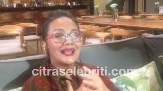 Video Christine Hakim Menjadi Tamu Special di Pernikahan Reino Barack dan Syahrini, ini ceritanya MP3, 3GP, MP4, WEBM, AVI, FLV Mei 2019
