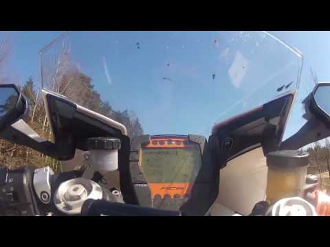 KTM RC8R pure hooligan