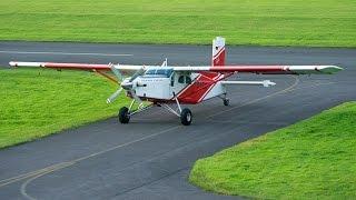 Fallschirmtanz am Himmel über EDLT, hoch gebracht mit der Pilatus Porter.Auch das kann vorkommen, ein Fehlanflug (Missed approach) der Pilatus Porter.