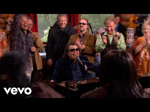 Bill & Gloria Gaither – Up to Zion [Live] ft. Ronnie Milsap