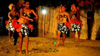 Local Fijian Dance on Robinson Crusoe Island in Fiji (2010-02-20 20:33 No.208 by Nikon D90)