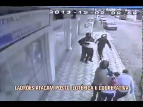 Bandidos trocam tiros com a polícia e fazem reféns em Caputira, na Zona da Mata - TV Alterosa