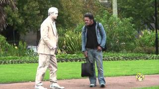 Video FUNNY STATUE SCARES MP3, 3GP, MP4, WEBM, AVI, FLV November 2017