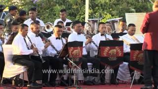 Kandhon Se Milte Hain Kandhe, by Indian Army Band at Kargil Diwas