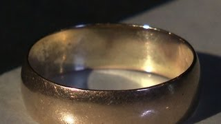 JFK auction to include Oswald wedding ring