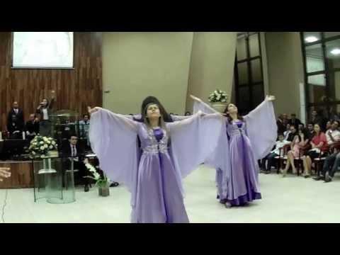 Lauriete - Sete Trombetas com o Conjunto Vidas no Altar de Israelândia apresentando uma coreografia