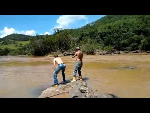 Pescaria de piau  - Pesca de barranco no Rio Piranga -27-3-15
