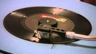 Three Dog Night - The Show Must Go On - 45 RPM