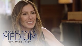 Video Carole Radziwill Connects With Carolyn Bessette-Kennedy   Hollywood Medium with Tyler Henry   E! MP3, 3GP, MP4, WEBM, AVI, FLV Maret 2018